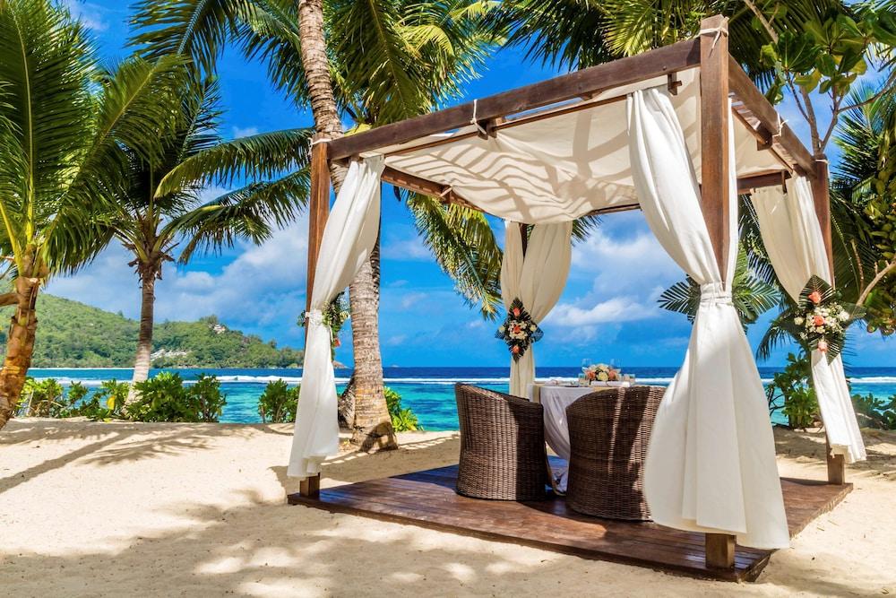 https://i.travelapi.com/hotels/5000000/4670000/4663300/4663247/06b816d1_z.jpg