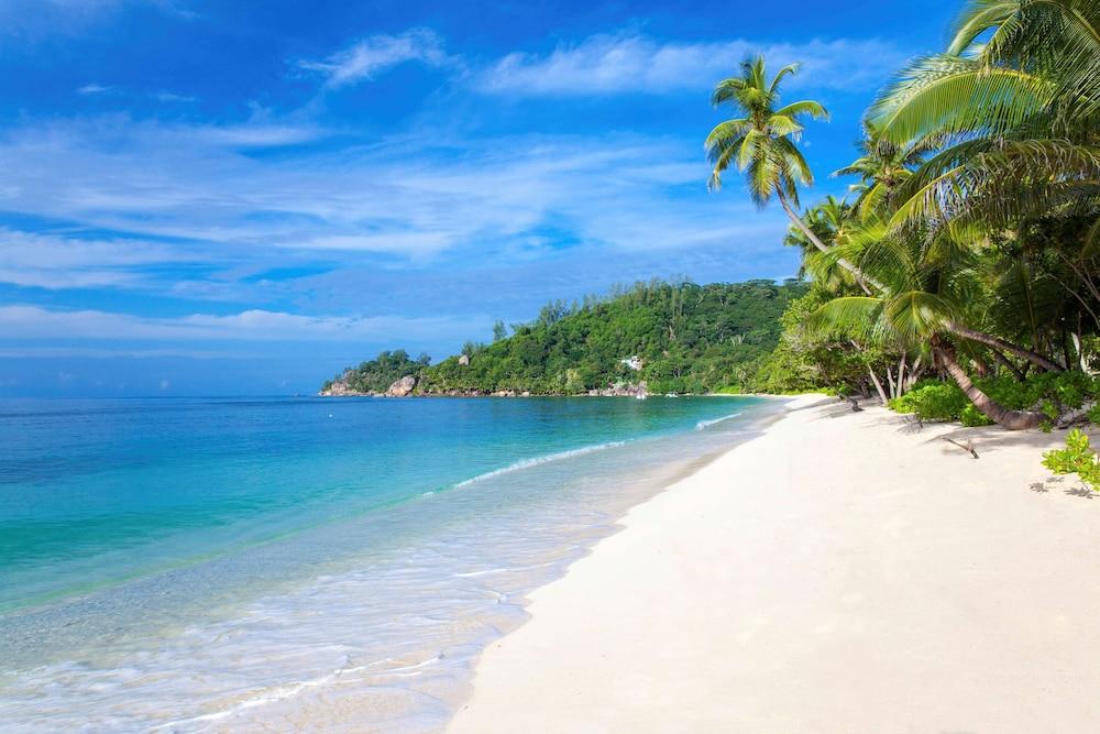 https://i.travelapi.com/hotels/5000000/4670000/4663300/4663247/16725c77_z.jpg