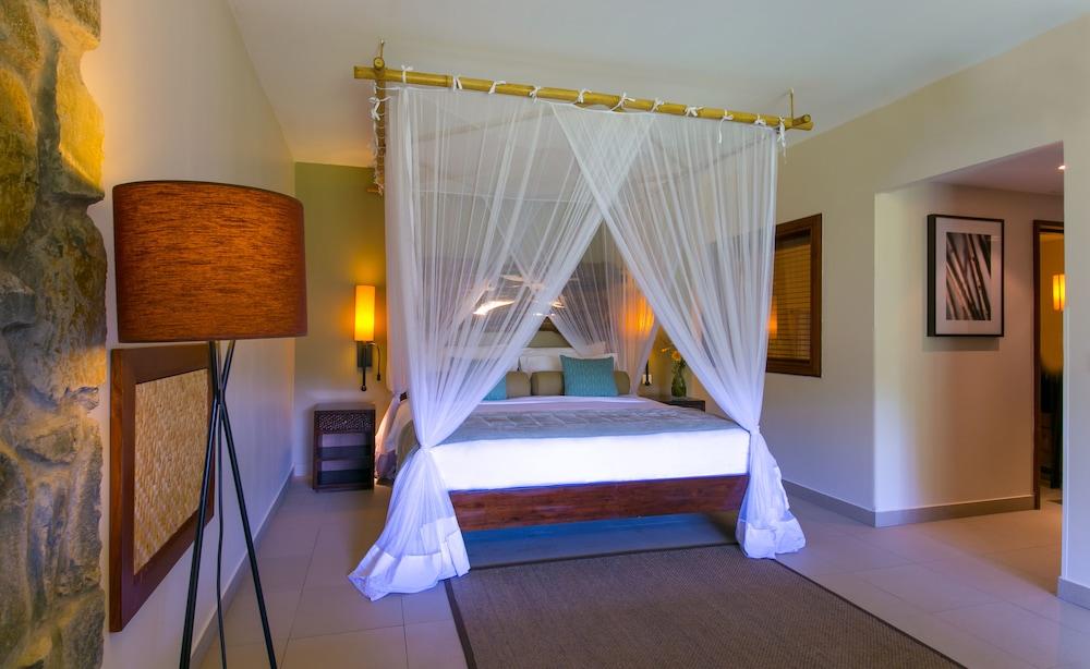 https://i.travelapi.com/hotels/5000000/4670000/4663300/4663247/ed5a2f7f_z.jpg