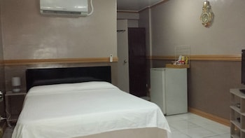 Kokomos Hotel & Restaurant Pampanga Guestroom