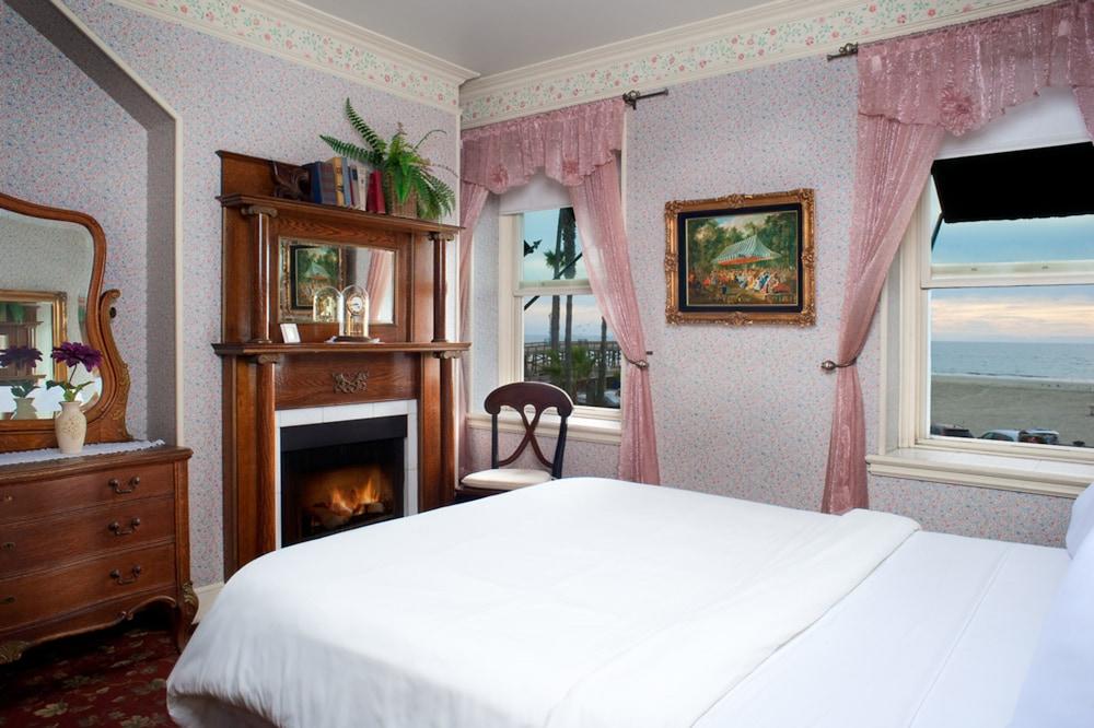 도리만스 오션프런트 인(Dorymans Oceanfront Inn) Hotel Image 3 - Guestroom