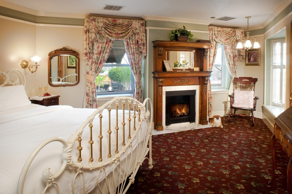 도리만스 오션프런트 인(Dorymans Oceanfront Inn) Hotel Image 5 - Guestroom