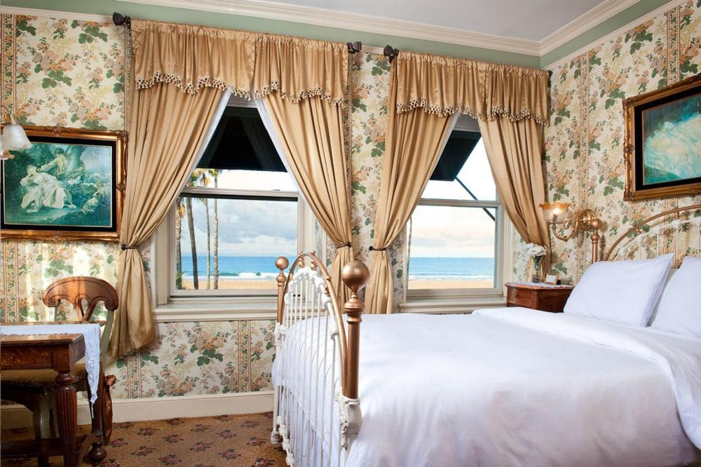 도리만스 오션프런트 인(Dorymans Oceanfront Inn) Hotel Image 6 - Guestroom