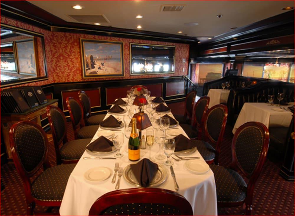 도리만스 오션프런트 인(Dorymans Oceanfront Inn) Hotel Image 22 - Restaurant