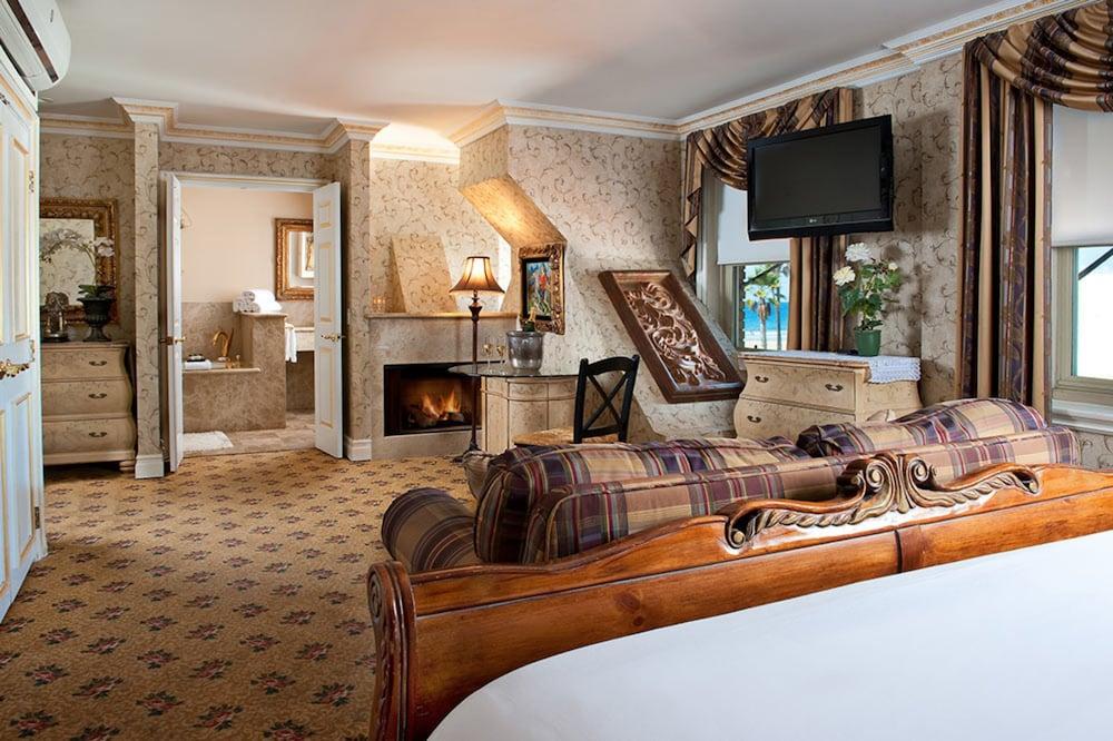 도리만스 오션프런트 인(Dorymans Oceanfront Inn) Hotel Image 7 - Guestroom