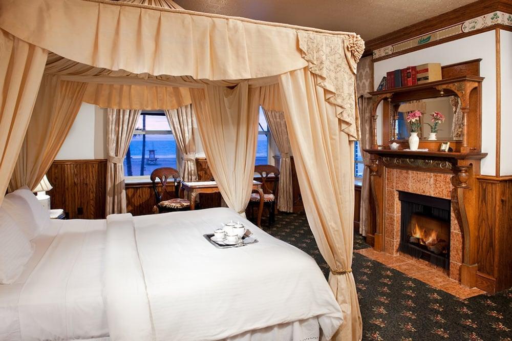 도리만스 오션프런트 인(Dorymans Oceanfront Inn) Hotel Image 8 - Guestroom