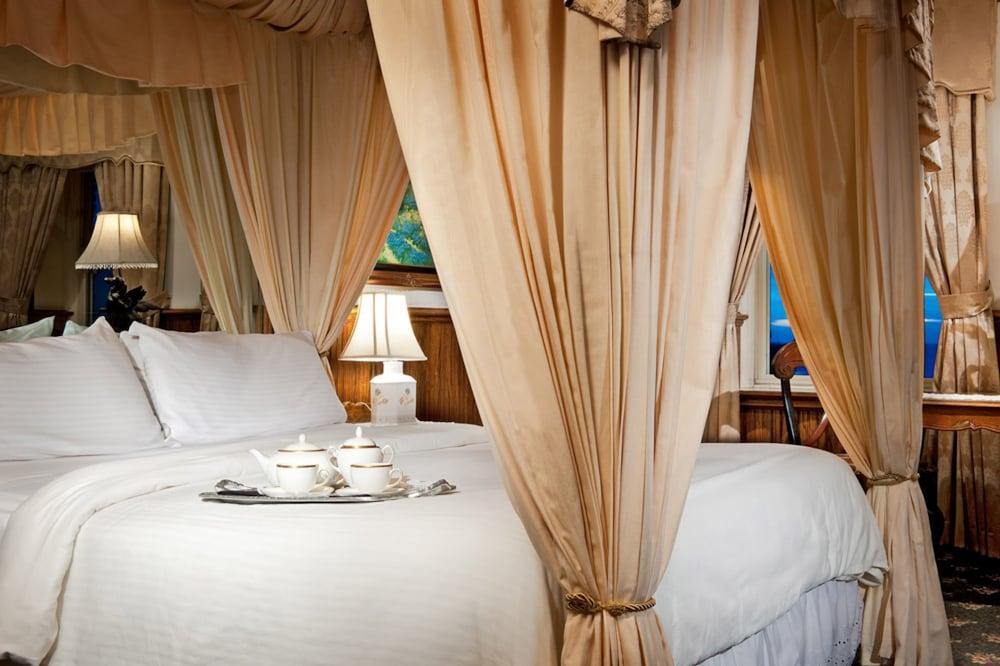 도리만스 오션프런트 인(Dorymans Oceanfront Inn) Hotel Image 9 - Guestroom