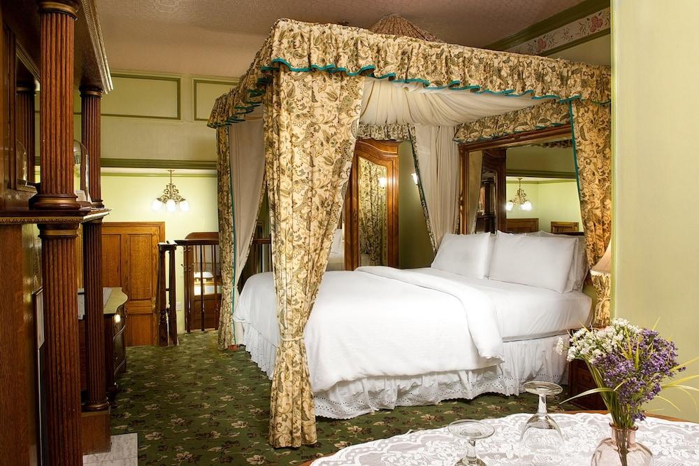 도리만스 오션프런트 인(Dorymans Oceanfront Inn) Hotel Image 10 - Guestroom
