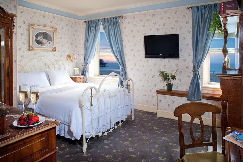 도리만스 오션프런트 인(Dorymans Oceanfront Inn) Hotel Image 11 - Guestroom