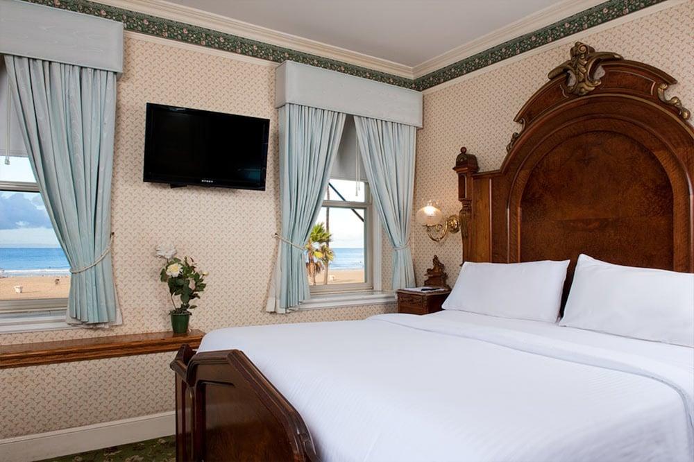 도리만스 오션프런트 인(Dorymans Oceanfront Inn) Hotel Image 13 - Guestroom