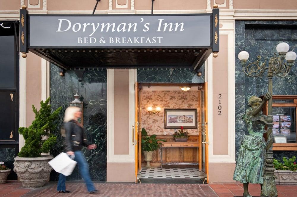도리만스 오션프런트 인(Dorymans Oceanfront Inn) Hotel Image 0 - Featured Image
