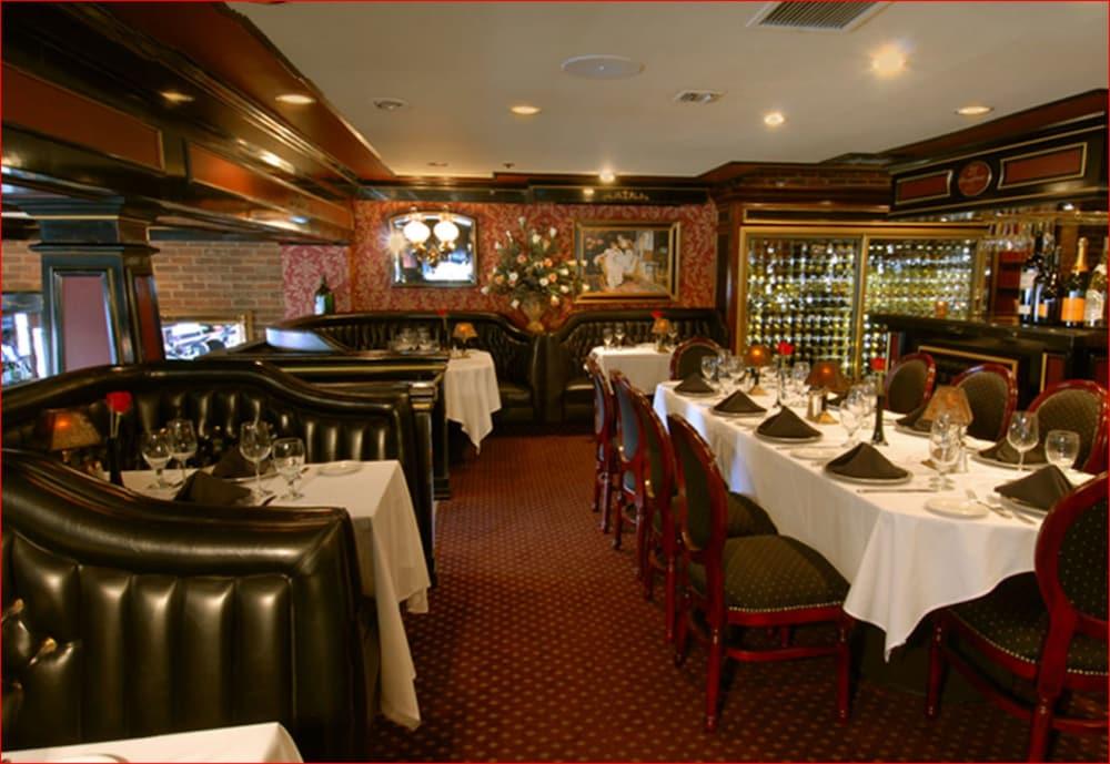 도리만스 오션프런트 인(Dorymans Oceanfront Inn) Hotel Image 26 - Restaurant