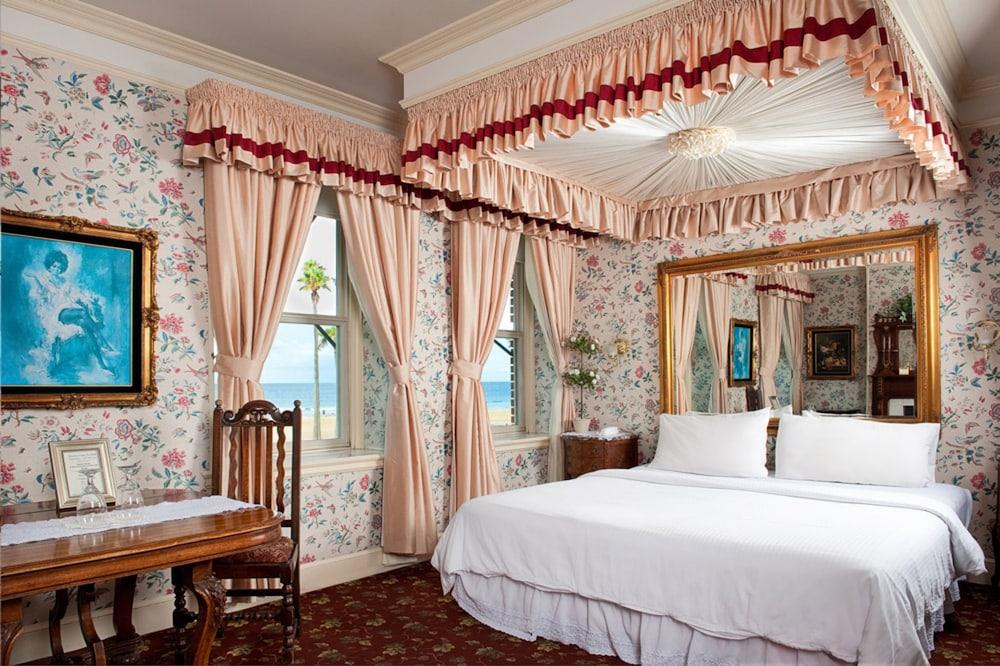 도리만스 오션프런트 인(Dorymans Oceanfront Inn) Hotel Image 16 - Guestroom