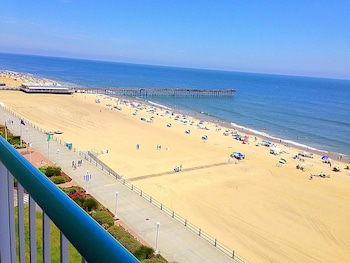 Baymont by Wyndham Virginia Beach Oceanfront photo