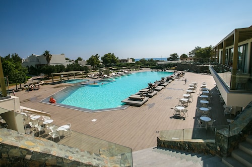 . Giannoulis – Almyra Hotel & Village