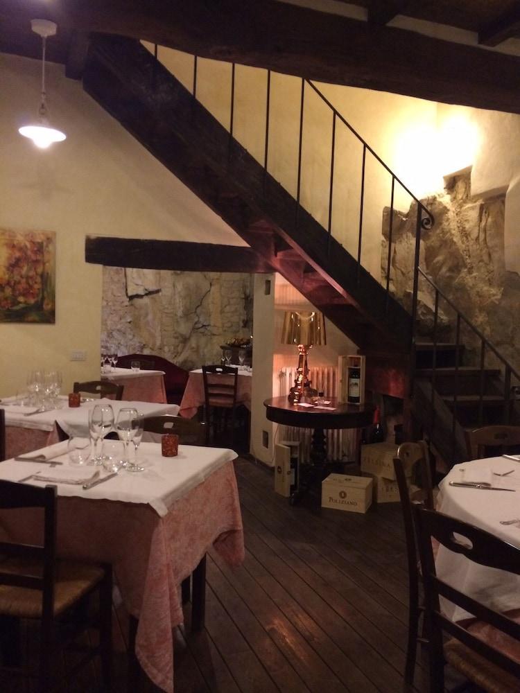 로칸다 안티코 보르고(Locanda Antico Borgo) Hotel Image 15 - Dining