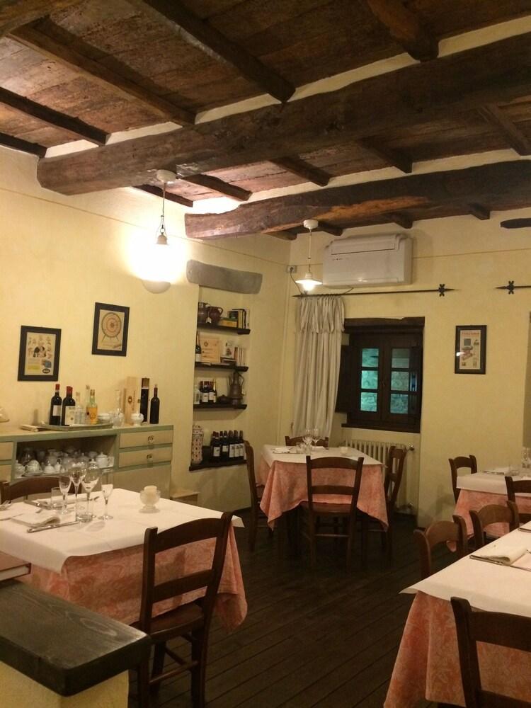 로칸다 안티코 보르고(Locanda Antico Borgo) Hotel Image 19 - Breakfast Area