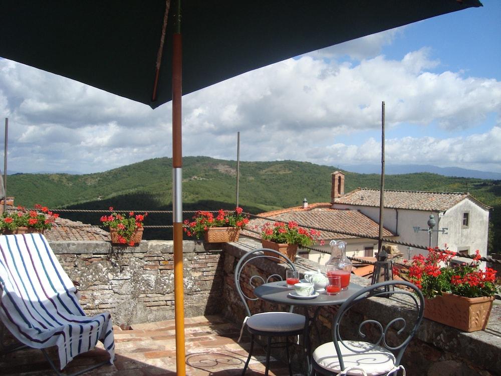 로칸다 안티코 보르고(Locanda Antico Borgo) Hotel Image 4 - Guestroom
