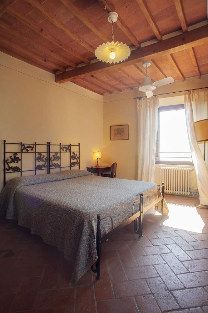 로칸다 안티코 보르고(Locanda Antico Borgo) Hotel Image 7 - Guestroom