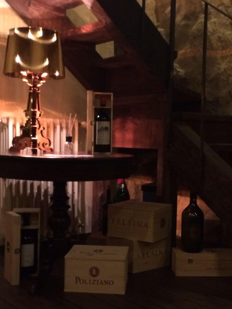 로칸다 안티코 보르고(Locanda Antico Borgo) Hotel Image 25 - Hotel Bar