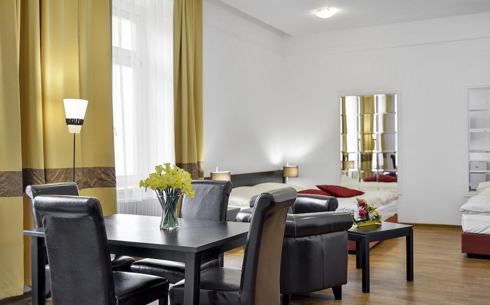 아파트먼트 마리엔바트(Apartments Marienbad) Hotel Image 10 - Guestroom