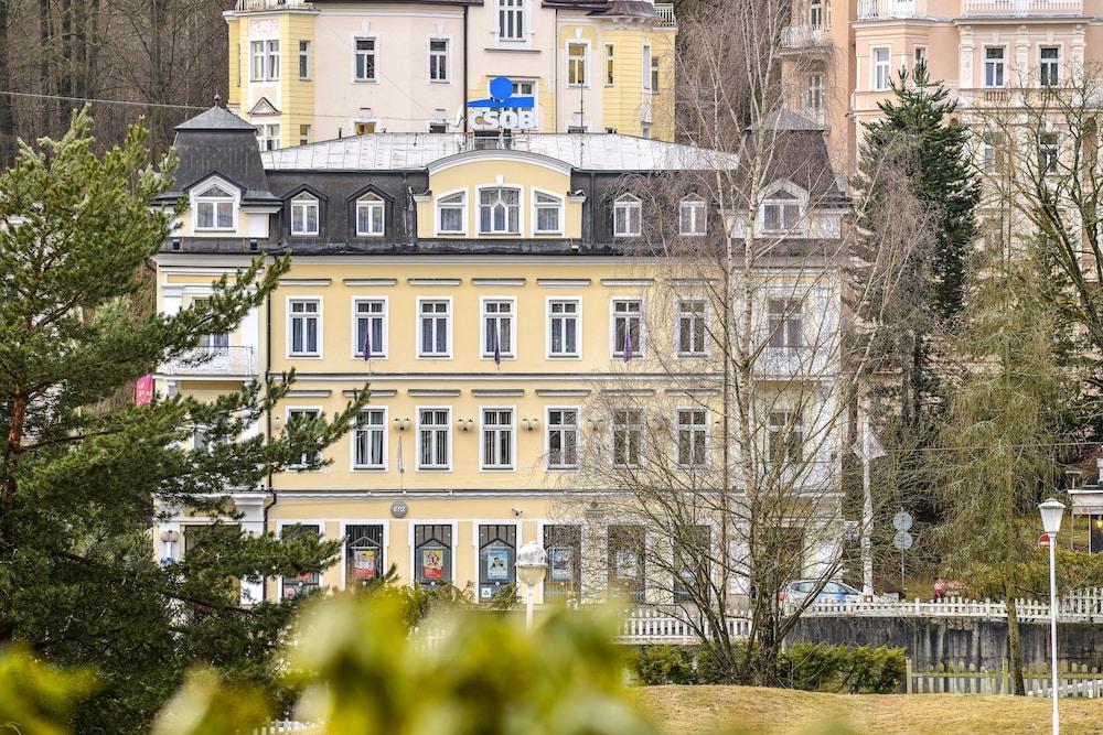 아파트먼트 마리엔바트(Apartments Marienbad) Hotel Image 0 - Featured Image