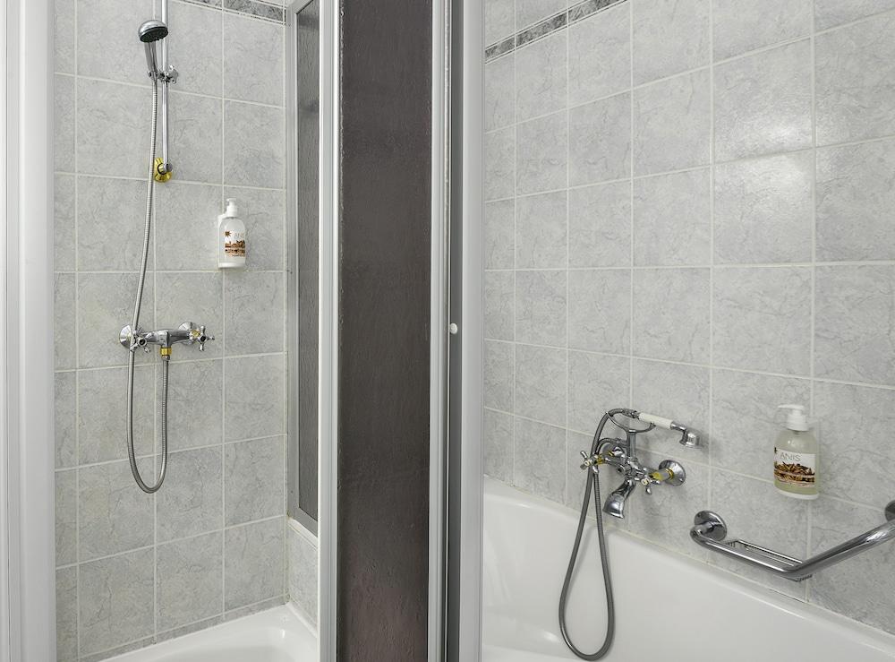 아파트먼트 마리엔바트(Apartments Marienbad) Hotel Image 22 - Bathroom