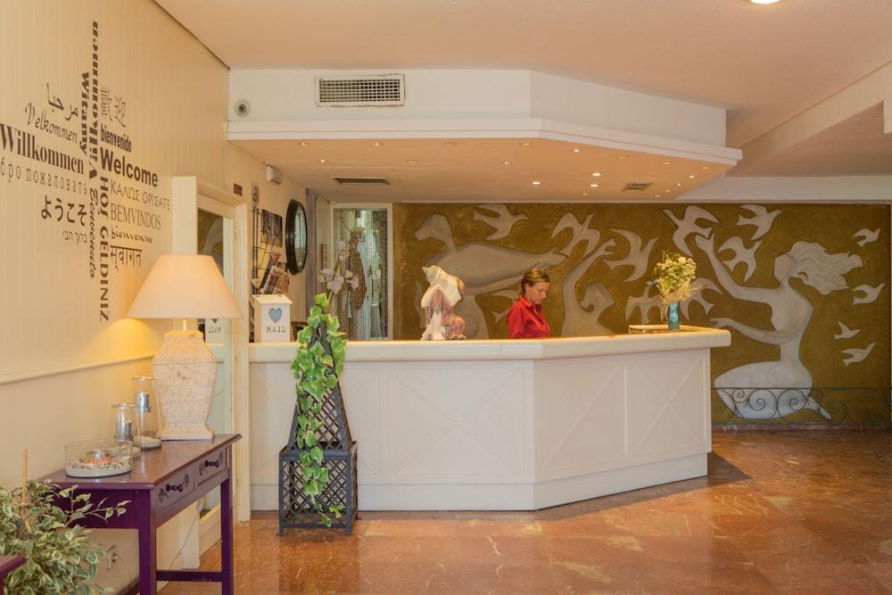 호텔 트로피코 플라야(Hotel Tropico Playa) Hotel Image 11 - Interior Entrance