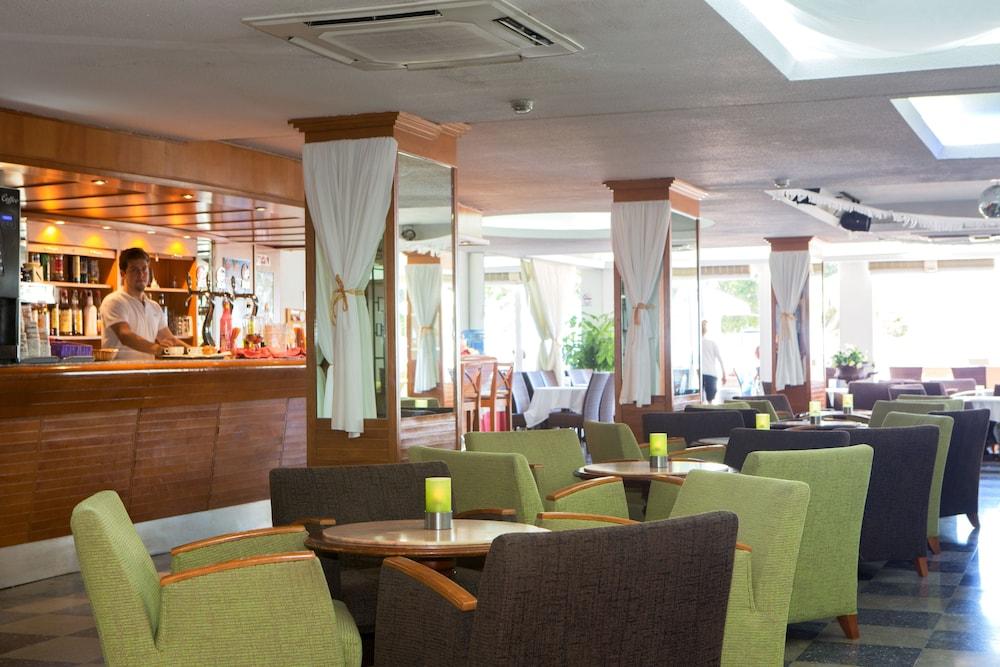 호텔 트로피코 플라야(Hotel Tropico Playa) Hotel Image 25 - Hotel Lounge