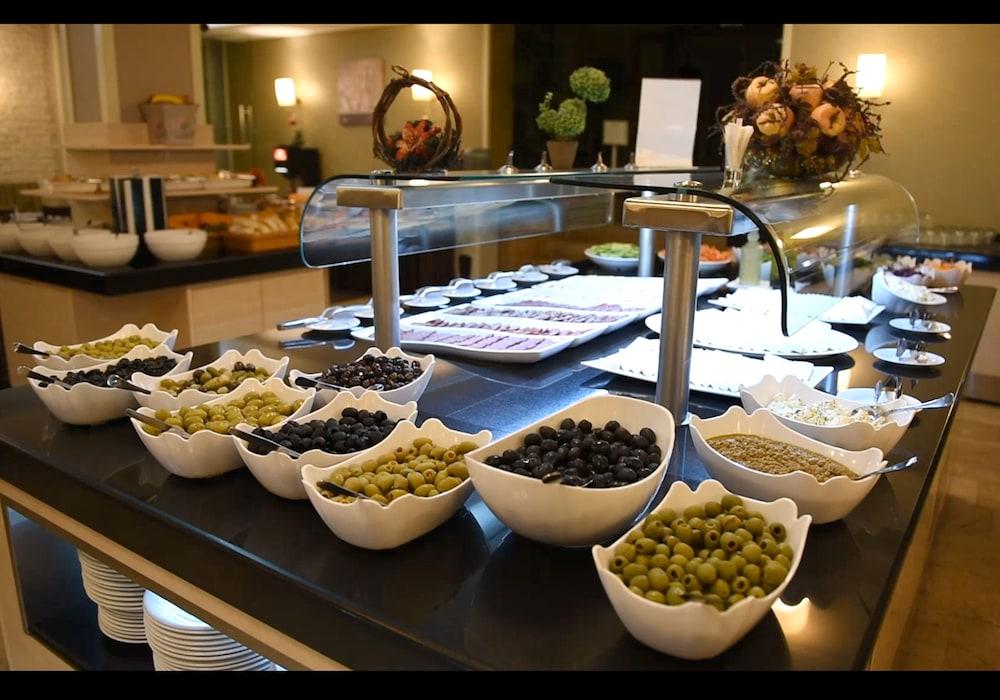 레그눔 반스코 호텔 & 스파(Regnum Bansko Hotel & Spa) Hotel Image 70 - Buffet