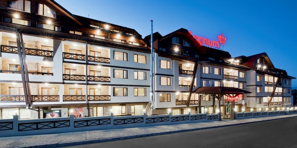 레그눔 반스코 호텔 & 스파(Regnum Bansko Hotel & Spa) Hotel Image 77 - Hotel Front - Evening/Night