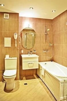 레그눔 반스코 호텔 & 스파(Regnum Bansko Hotel & Spa) Hotel Image 40 - Bathroom
