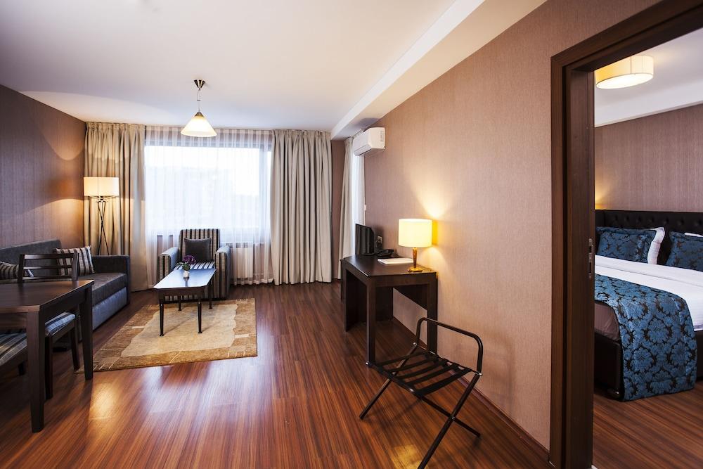 레그눔 반스코 호텔 & 스파(Regnum Bansko Hotel & Spa) Hotel Image 8 - Guestroom