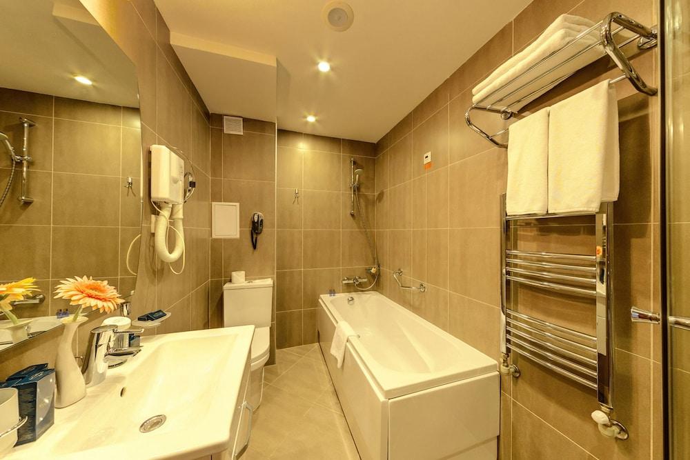 레그눔 반스코 호텔 & 스파(Regnum Bansko Hotel & Spa) Hotel Image 85 - Bathroom