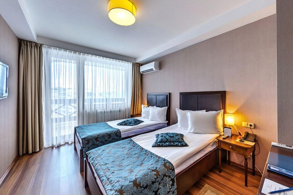 레그눔 반스코 호텔 & 스파(Regnum Bansko Hotel & Spa) Hotel Image 15 - Guestroom