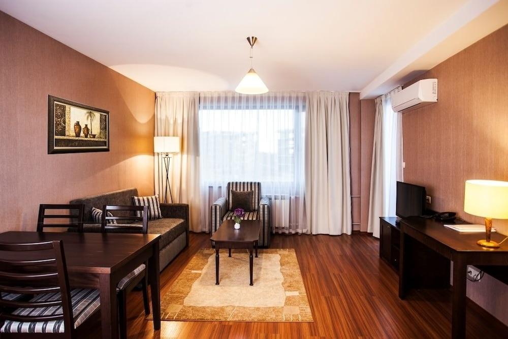레그눔 반스코 호텔 & 스파(Regnum Bansko Hotel & Spa) Hotel Image 5 - Guestroom