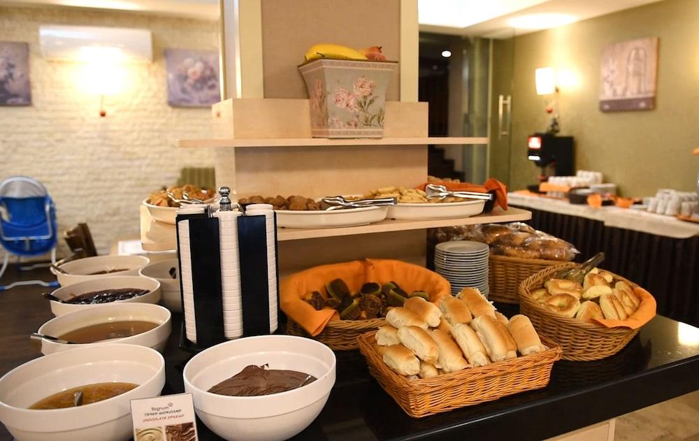 레그눔 반스코 호텔 & 스파(Regnum Bansko Hotel & Spa) Hotel Image 66 - Breakfast Area