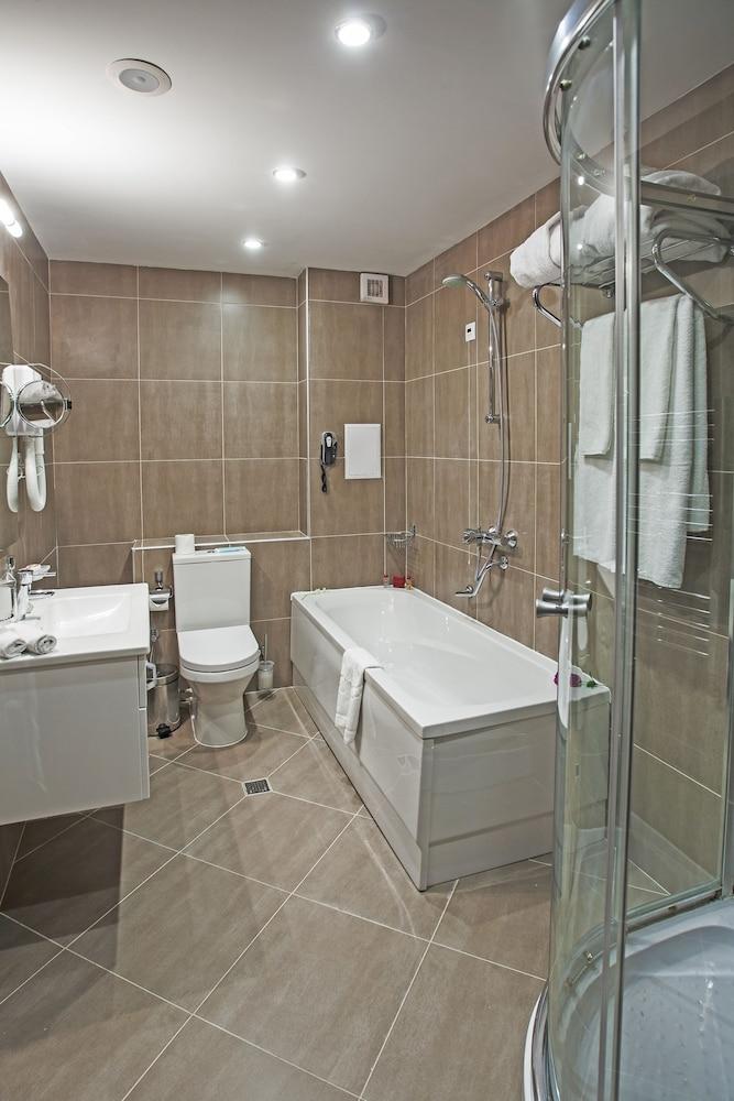 레그눔 반스코 호텔 & 스파(Regnum Bansko Hotel & Spa) Hotel Image 38 - Bathroom