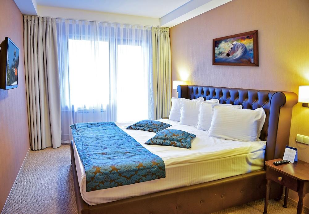 레그눔 반스코 호텔 & 스파(Regnum Bansko Hotel & Spa) Hotel Image 12 - Guestroom