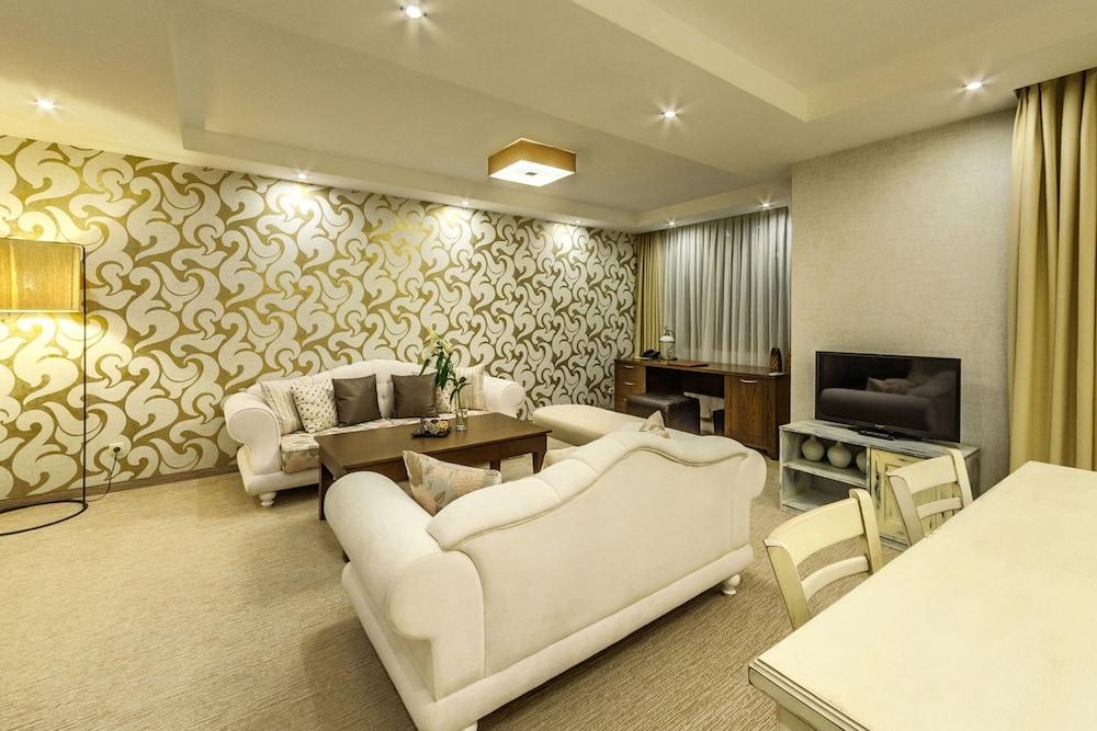 레그눔 반스코 호텔 & 스파(Regnum Bansko Hotel & Spa) Hotel Image 27 - Guestroom