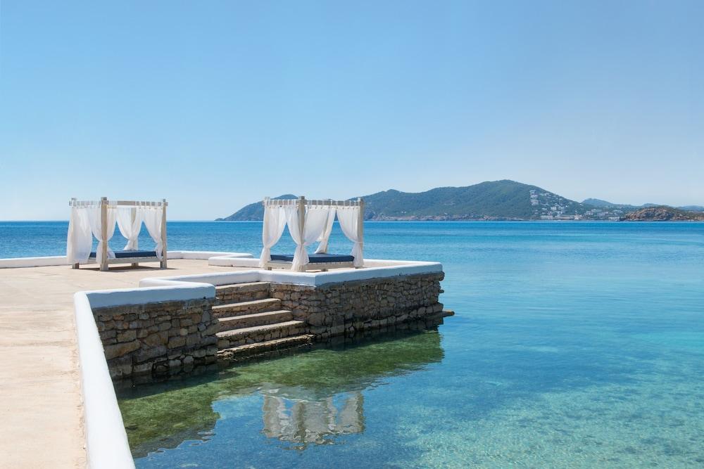 https://i.travelapi.com/hotels/5000000/4680000/4672200/4672113/71449bdb_z.jpg