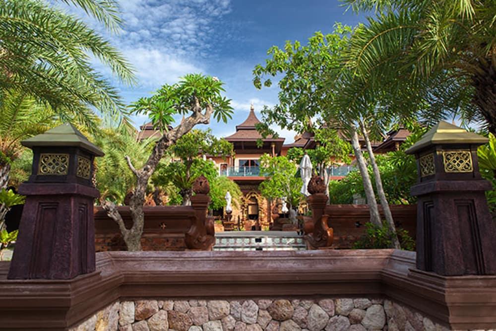 아마타라 푸라 풀 빌라스(Ammatara Pura Pool Villas) Hotel Image 87 - 외관 세부 사진
