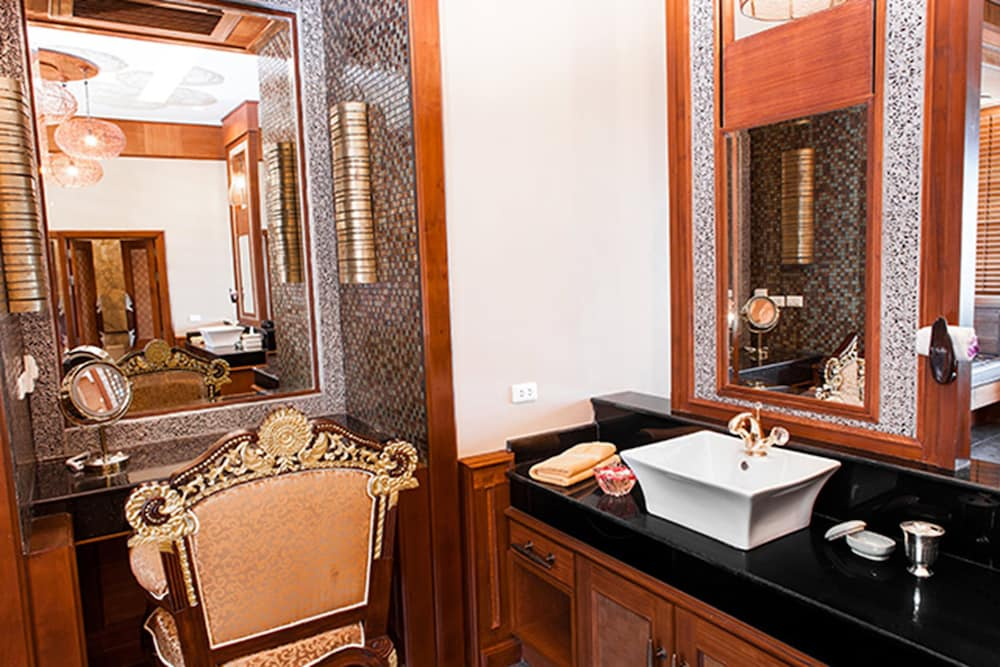 아마타라 푸라 풀 빌라스(Ammatara Pura Pool Villas) Hotel Thumbnail Image 45 - Bathroom