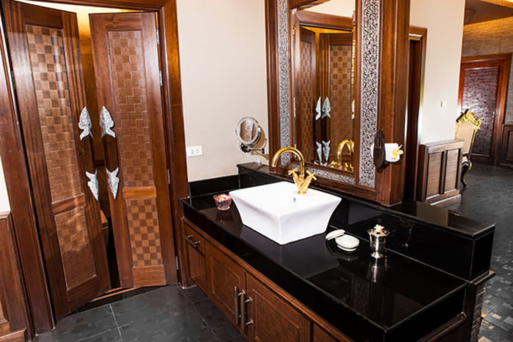 아마타라 푸라 풀 빌라스(Ammatara Pura Pool Villas) Hotel Image 49 - Bathroom