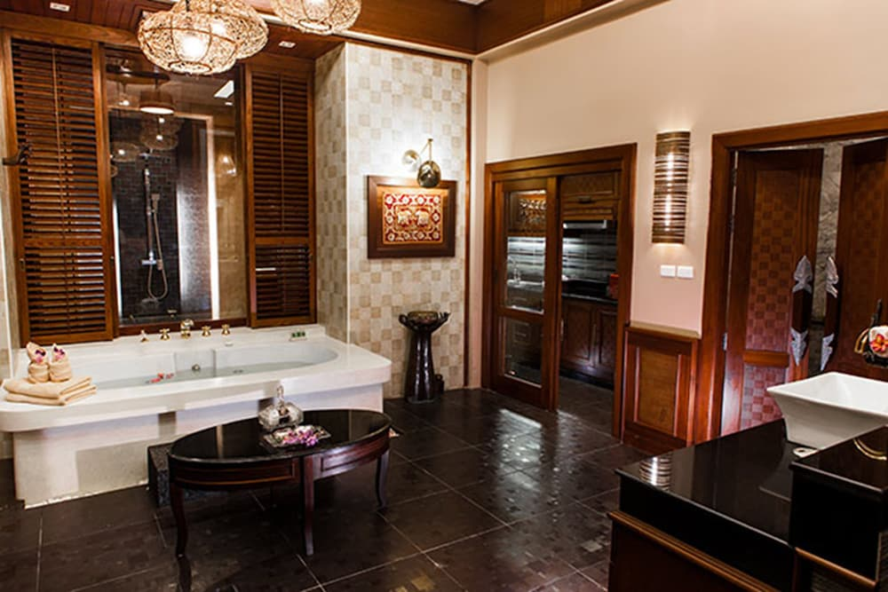 아마타라 푸라 풀 빌라스(Ammatara Pura Pool Villas) Hotel Image 51 - Bathroom