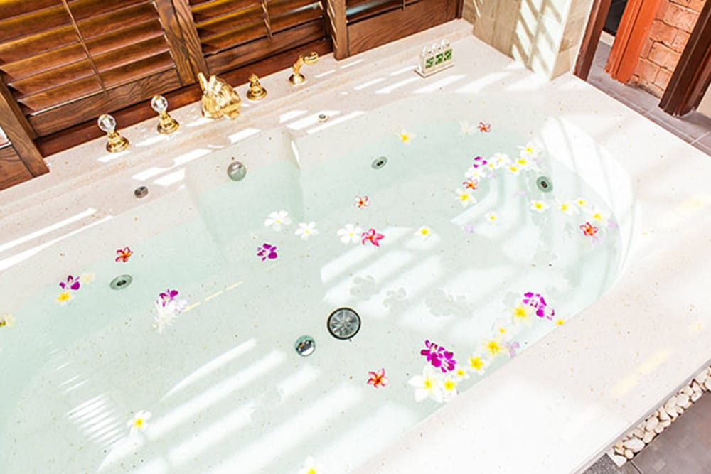 아마타라 푸라 풀 빌라스(Ammatara Pura Pool Villas) Hotel Thumbnail Image 54 - Bathroom