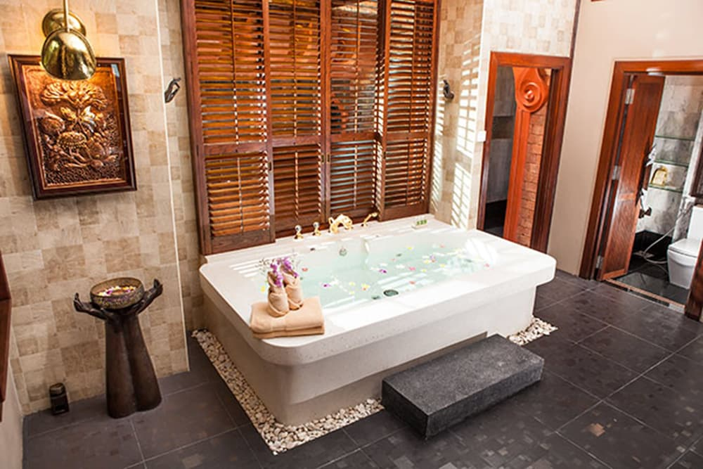 아마타라 푸라 풀 빌라스(Ammatara Pura Pool Villas) Hotel Image 41 - Bathroom