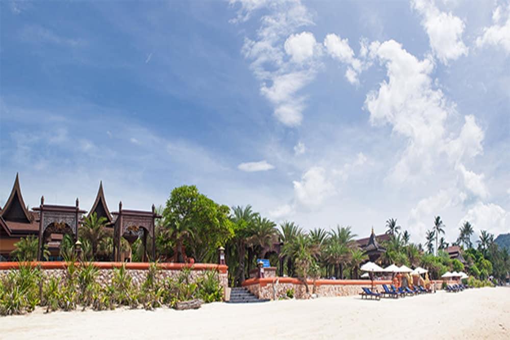 아마타라 푸라 풀 빌라스(Ammatara Pura Pool Villas) Hotel Image 75 - 해변