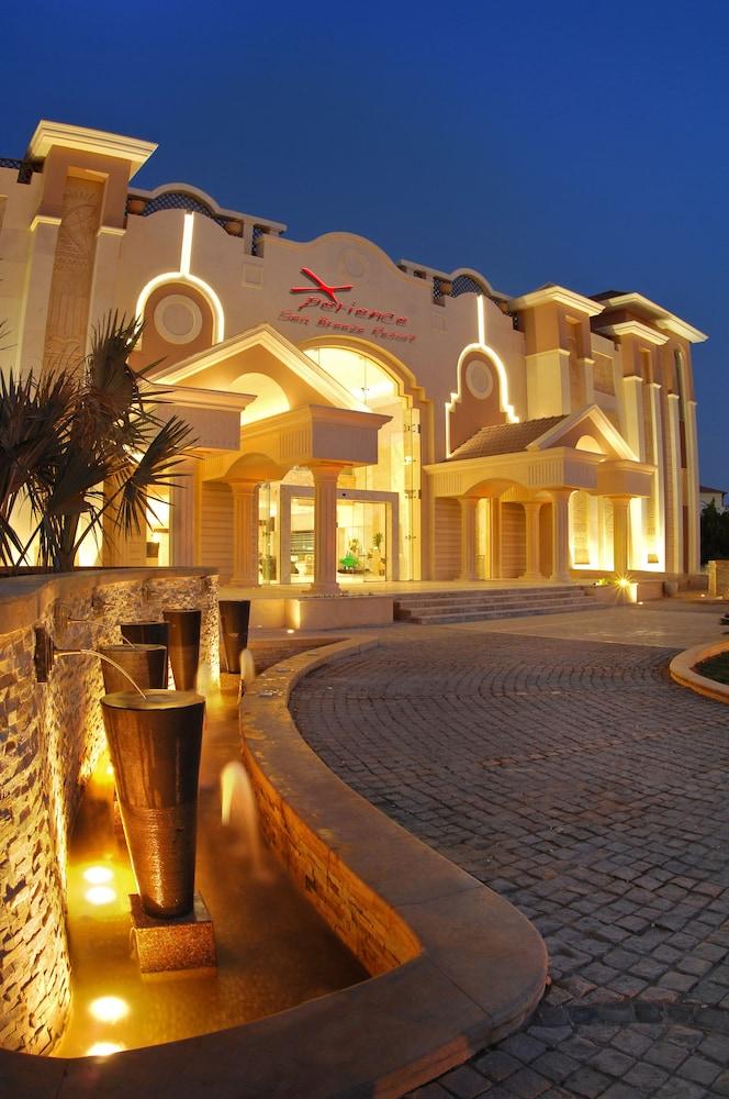익스피리언스 시 브리즈 리조트(Xperience Sea Breeze Resort) Hotel Image 26 - Terrace/Patio