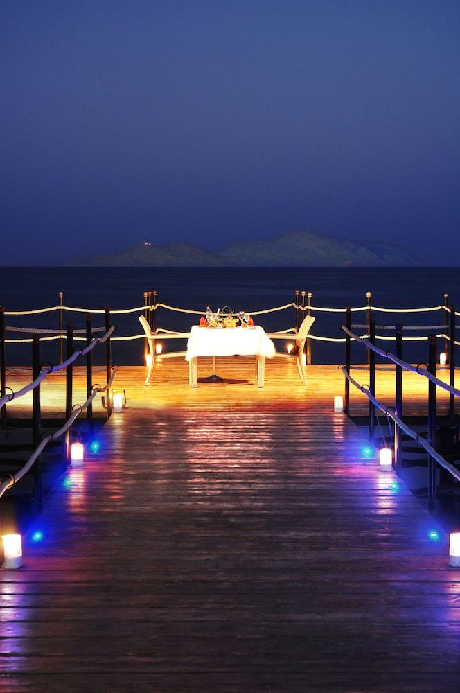 익스피리언스 시 브리즈 리조트(Xperience Sea Breeze Resort) Hotel Image 27 - Terrace/Patio